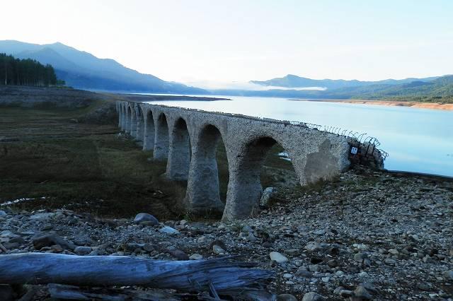 タウシュベツ橋脚2