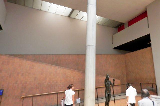 国立西洋美術館スロープ