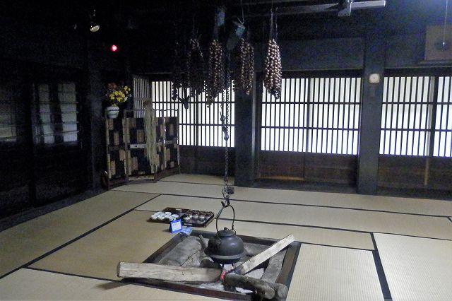 囲炉裏の部屋