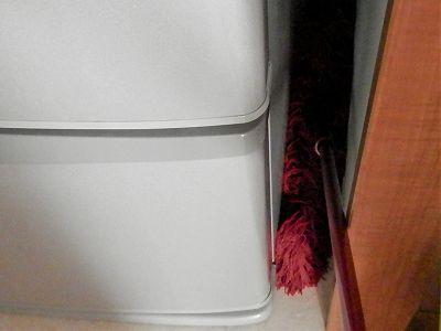 ダスキンモップで冷蔵庫の隙間