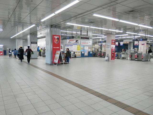 浦和美園駅改札階
