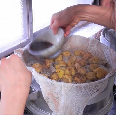 小豆の汁を掛ける2