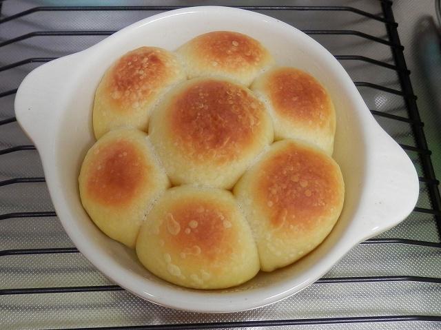 グラタン皿ちぎりパン焼き上がり