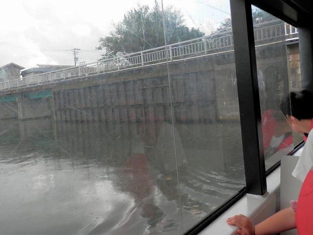 中島閘門を出たところ