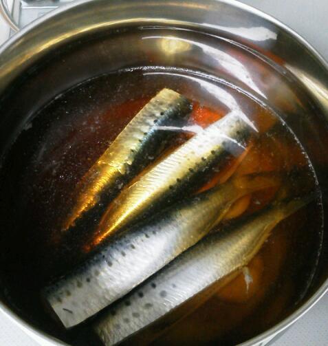 イワシの鍋煮始め