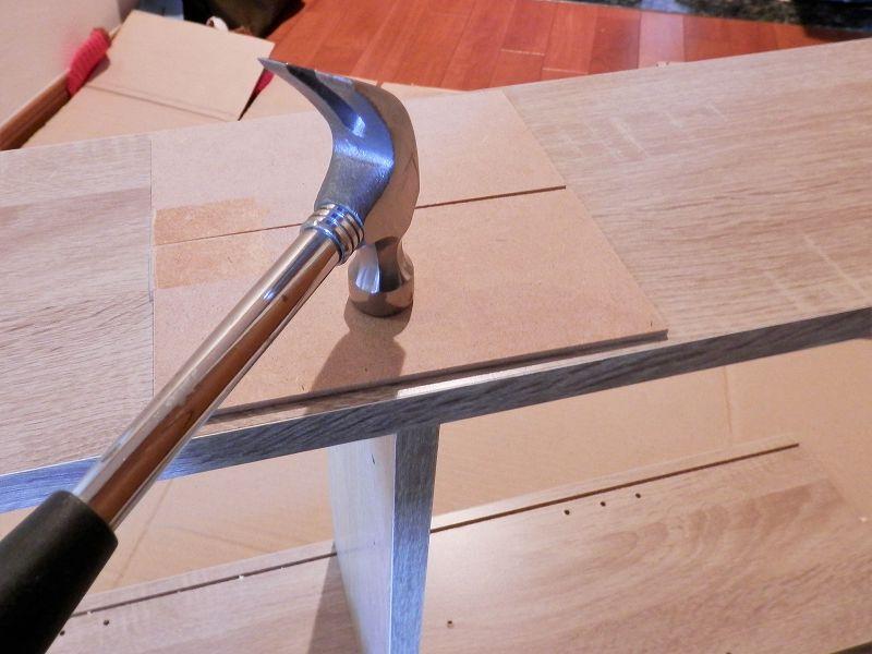 側板と固定棚板をくっつける(3連本棚)