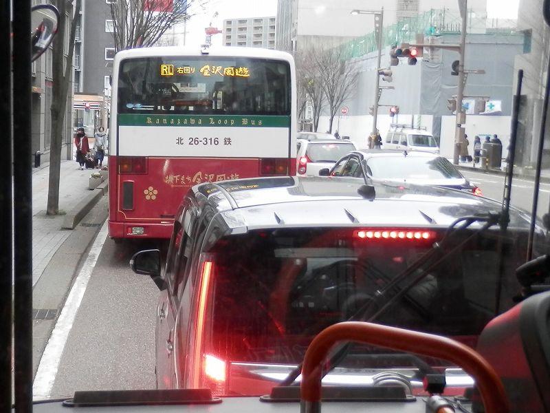 金沢市内を走るバス